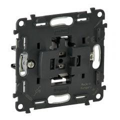 Переключатель одноклавишный Legrand Valena Мех In Matic 10AX 250V с подсветкой безвинт. зажим 752016